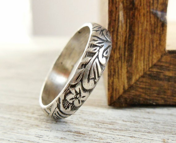 Floral Pattern Ring, Sterling Silver, Wedding Band, Embossed Stacking Ring, Womens Jewelry, Unisex Design