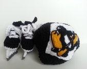 Pittsburgh Penguins helmet and ice skates, nhl skates, Penguins