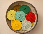 Vintage colored round buttons from 60s - 30 pieces