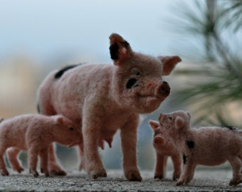 Needle Felted  Animal.  Mother Pig and piglets. Made to order.