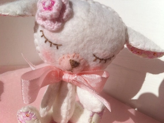 Plush Kawaii Sleepy Sheep Lamb Gingermelon- Pink Ribbon