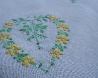 Vintage Table Cloth Embroidered Flower Square 36 X 36