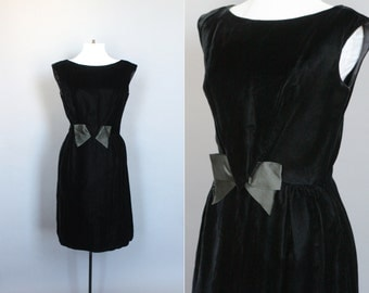 Vintage 60s Dress Black Velvet 1960s Cocktail Party Dress with Bow Fitted Sleeveless Shift Small Medium