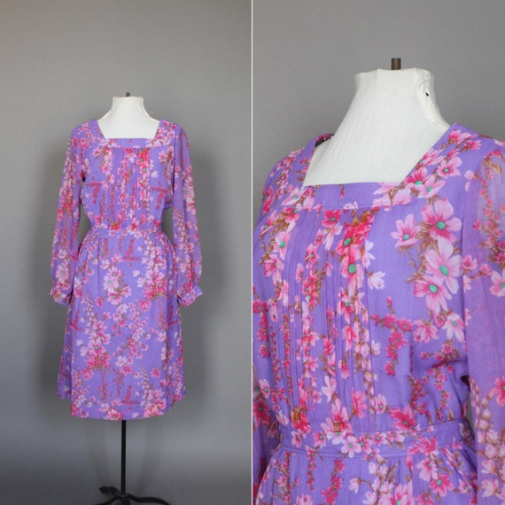 SALE Dress 60s 70s Vintage 1960s 1970s Floral Day Dress in Purple Pink and Green L