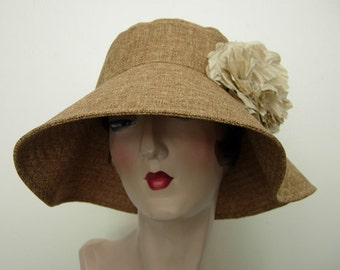 Natalie sun hat with flower, Toast faux linen. FREE SHIPPING in the US.