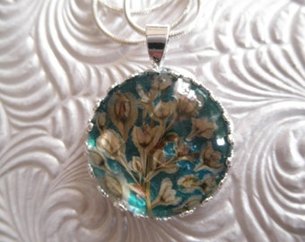 Serene, Tranquil Ocean Green-Blue Pressed Flower Crown Pendant, Silver Lace Vine Under Glass-Symbolizes Purity