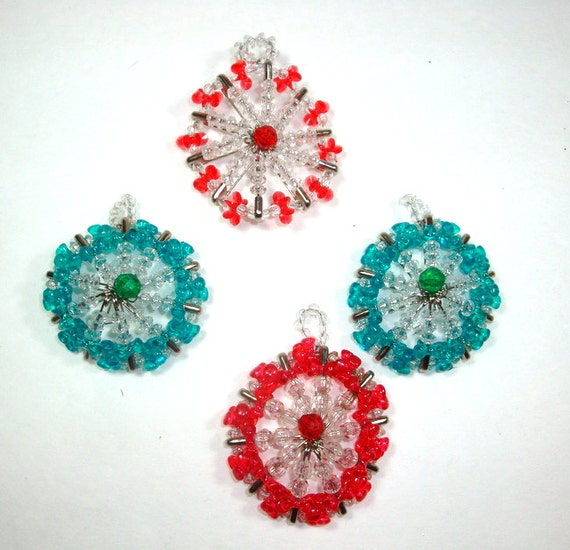 Vintage beaded safety pin christmas ornaments 1970 39 s for Safety pin and bead crafts