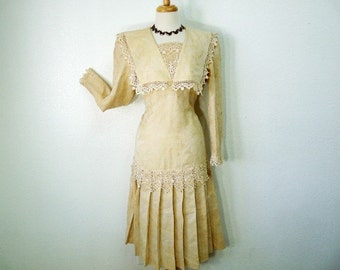Vintage Linen Dress Lace Embroidery Oatmeal Pleat Dress S/M