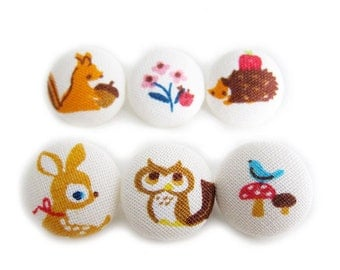 Sewing Buttons / Fabric Buttons - Forest Friends on White - 6 Medium Fabric Buttons - Fabric Covered Buttons