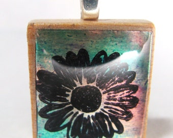 Turquoise daisy - Glowing metallic Scrabble tile pendant