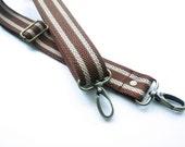 1 1/4 inch Detachable and adjustable shoulder strap