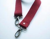1 1/4 inch Detachable and adjustable shoulder strap  in Red