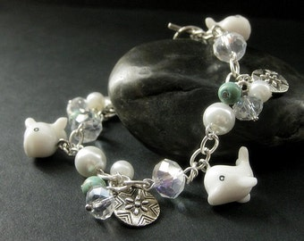 White Whale Bracelet. Beaded Bracelet. Turquoise Bracelet. Ocean Beach Bracelet. Handmade Jewelry.