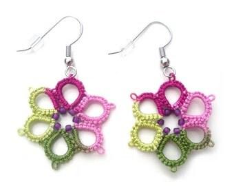 Spring Garden Tatted Earrings, Tatted Flower Earrings, Tatted from Vintage Pattern, Vintage Inspired Earrings, Modern Victorian Earrings