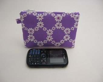 Small Zipper Pouch, Coin Purse, Grab and Go Wallet, Purple Daisies   Ready to ship,