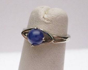 10k Synthetic Star Sapphire Ring