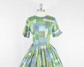 1950's Vintage Dress - Novelty Print Cotton Full Skirt Day Dress