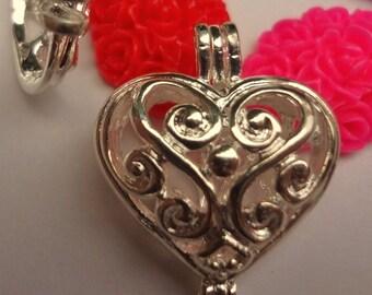 Silver plated - Swirly Filigree Heart Locket - pendant
