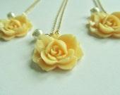 Bridesmaids Gift Set of 3 Neckaces, Beautiful Bridal Jewelry, Bridesmaids Gifts, Gifts for her, Cream Rose