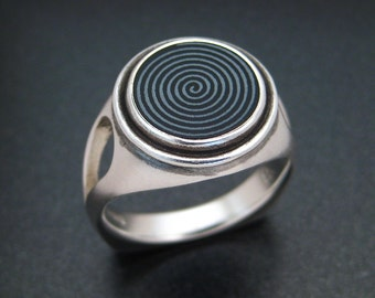 Sterling Ring with a Spiral Engraved Onyx