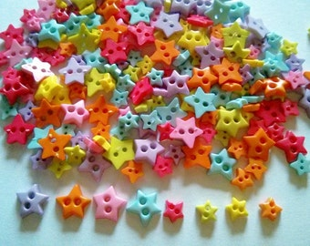 150pcs   Cute star Buttons 2 Holes Mix size 6 and 9 mm