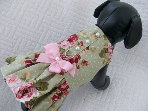 Shabby chic dog dress roses and polka dot dog by for Shabby chic dog