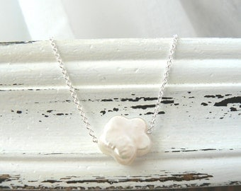 Flower Pearl - Freshwater Pearl and Sterling silver Chain
