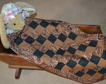 Baby Changing Pad/Doll Quilt (107) with burp cloths