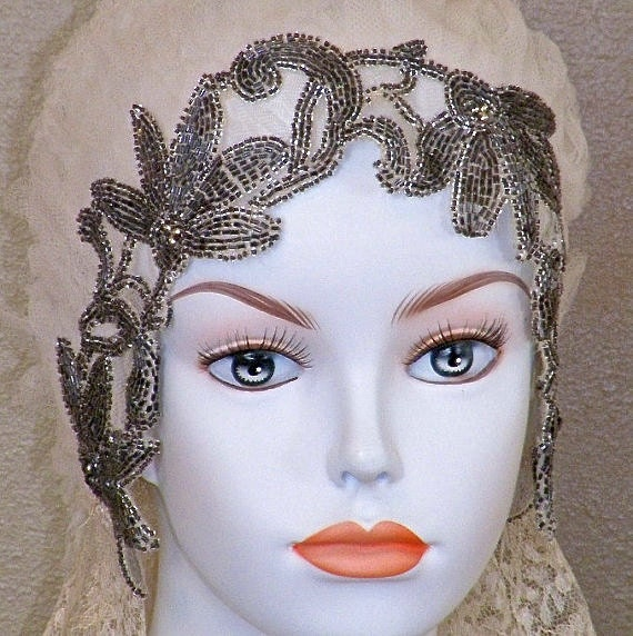 1920s Beaded Wedding Cloche Head Piece, 20s Flapper Wedding Head Dress Antique Silk Net Floral Lace Beaded Wedding Veil, Art Deco Rare