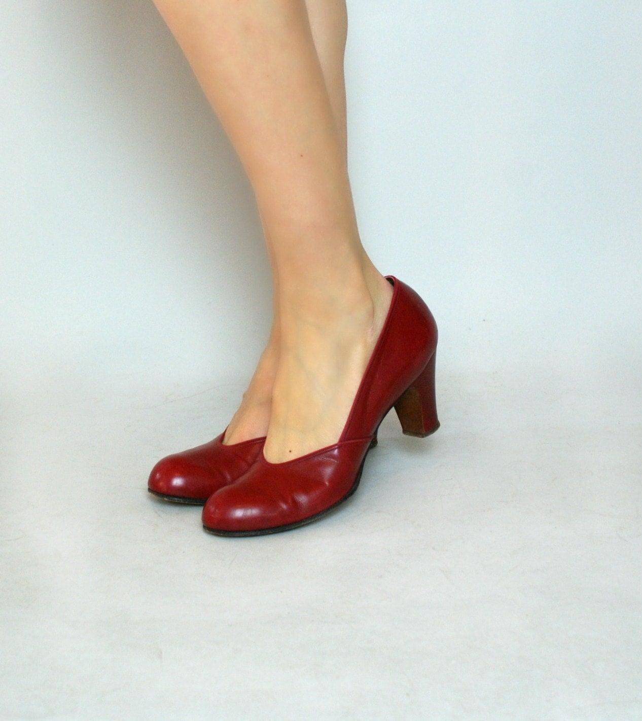 Vintage 1940s High Heels 40s Red Leather BabyDolls 7.5