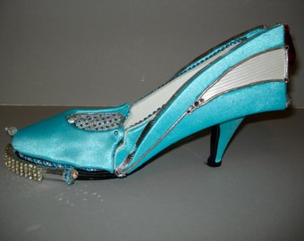 "Shoe sculpture "" Auto-Mo-Heels"""