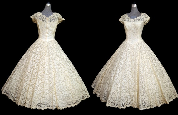 RESERVED Vintage 50s Wedding Dress // 50s Ivory Lace CAHILL