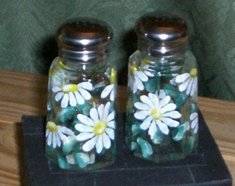 Daisy Medium Salt and Pepper Shakers Hand-painted Daisies Glass Salt & Pepper Shakers by Lisa Hayward