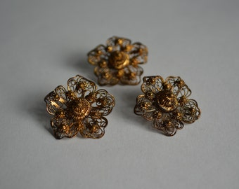 3 Vintage 1930s Buttons - Gilt Filigree Flowers - Gold Toned
