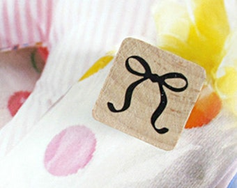 Petit Ribbon Stamp (0.75 x 0.75in)