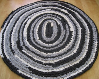 Crocheted Oval Rug - Black, Grey and White