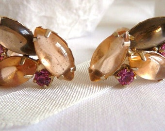 Lucite cab rhinestone clip earrings | vintage unsigned 1950s 1960s | smoky gray pink rose | Autumn Winter early Spring