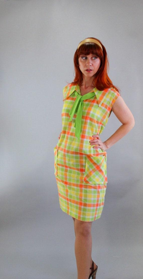 Sale  - 1960s Plaid Shift Day Dress. Green Yellow Orange. Mad Men Fashion. Spring Fashion. Summer Fashion. Size Large