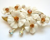 Vintage Coro Cream Flower Bouquet Brooch