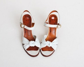Vintage 70s White Leather Pump Sandals 6.5