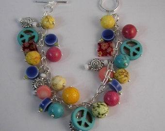 Boho Chic Bracelet, Boho Charm Bracelet, Peace Sign Bracelet, Kitsch Beaded Dangle Bracelet, Festival Bracelet, Boho Jewelry, Boho Jewellry