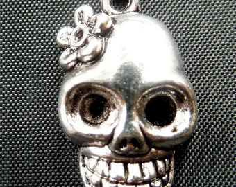 Destash (5) Day of the Dead Skull with Flower Charm - for pendants, jewelry making, crafts, scrapbooking