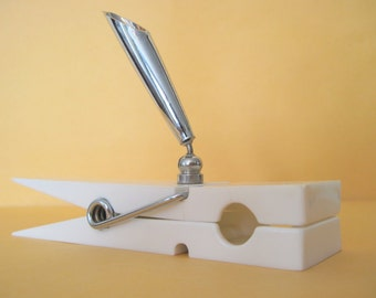 mod 1970s White Plastic CLOTHESPIN Paperweight, Pen Holder, Desk Organizer, POP ART Paperclip