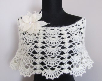 Romantic Crochet Capelet / Cape / Wrap in off white / ivory