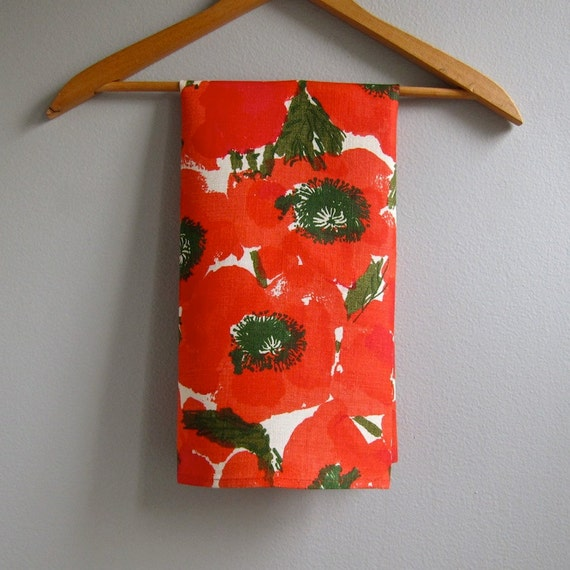 Vera Neumann Linen Towel Red Poppy Floral 1970s Kitchen Decor