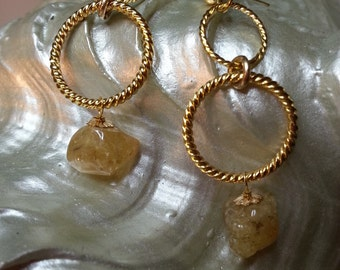 Rings of Diamonds
