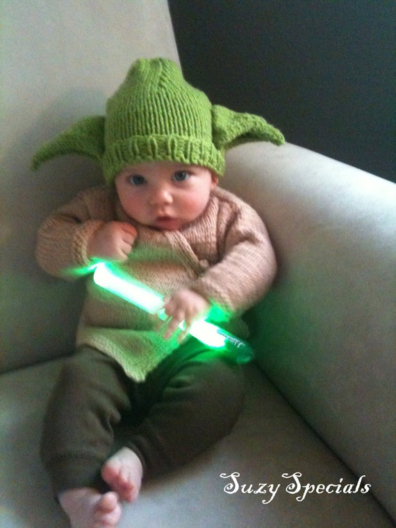 sale hand knitted baby yoda green hat and brown jacket set. Black Bedroom Furniture Sets. Home Design Ideas