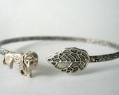 lion wrap bracelet with a leaf, animal bracelet, charm bracelet, bangle