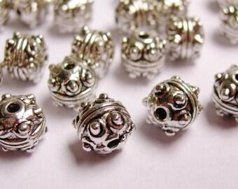 24 Tibetant style bead Silver color - hypoallergenic - 24 pcs - NAZ18