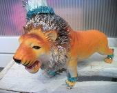 Glittery Shabby Chic LION Animal With Crown..Blythe Dollhouse Decor